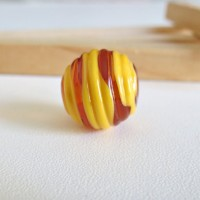 Glass Lampwork Beads, Round Yellow-Brown, 15 mm.
