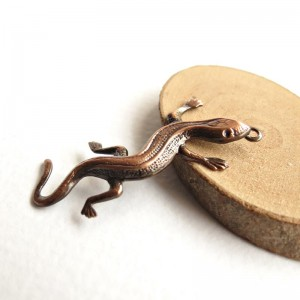 Gecko lizard charms, copper colored, 5 pcs.