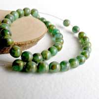 Czech Glass Round Opaque Light Green Beads with Picasso Coating, 4 mm, 120 pcs.