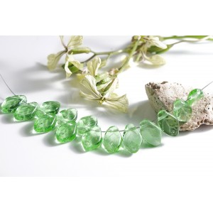 Czech Glass Beads Leaves Light Green, 7х12 mm, 10 pcs.