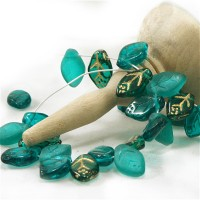 Czech Glass Beads Leaves Emerald Green Mix, 7х12 mm, 60 pcs.