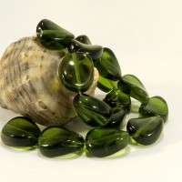 Czech Pressed Glass Beads, Twisted, Olive Green, 12 mm, 15 pcs.